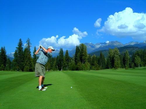 Một số công trình cỏ nhân tạo sân golf!